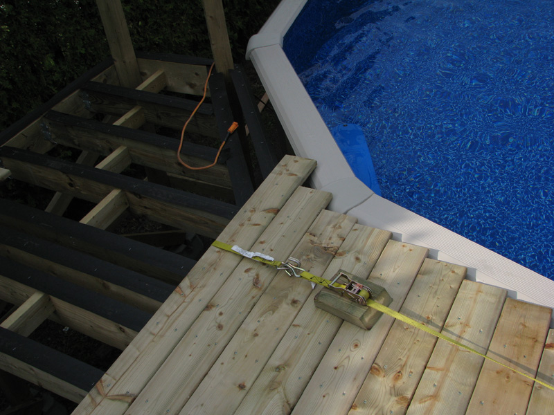 Plan deck de piscine gratuit for Construire deck piscine